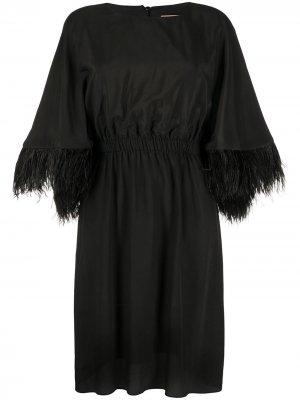 Платье миди с перьями на манжетах Yves Salomon. Цвет: черный