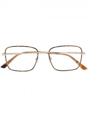 Очки в массивной оправе с логотипом Calvin Klein. Цвет: коричневый
