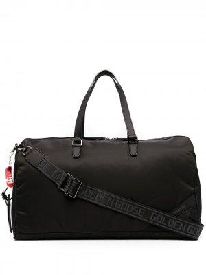 Дорожная сумка с нашивкой-логотипом Golden Goose. Цвет: черный