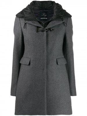 Пальто с пряжками Fay. Цвет: серый