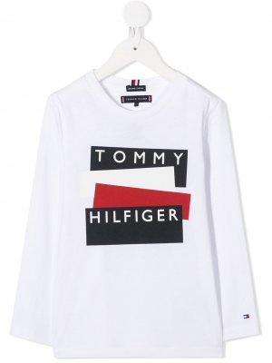Топ с длинными рукавами и логотипом Tommy Hilfiger Junior. Цвет: белый