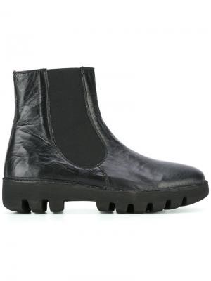 Ботинки на утолщенной ребристой подошве Rocco P.. Цвет: чёрный