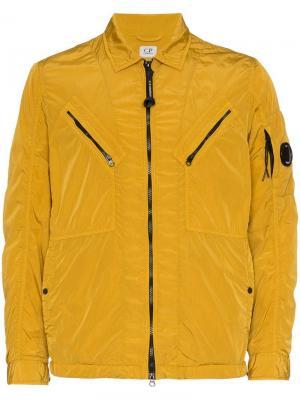 Куртка на молнии с логотипом CP Company. Цвет: желтый