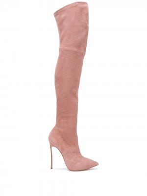 Ботфорты с заостренным носком Casadei. Цвет: розовый