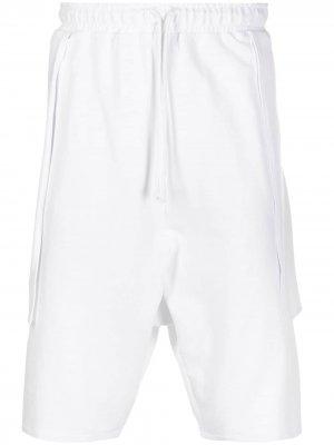 Спортивные шорты со вставкой Alchemy. Цвет: белый