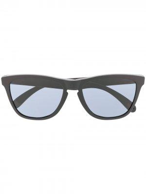 Солнцезащитные очки Holbrook трапецивидной формы Oakley. Цвет: черный