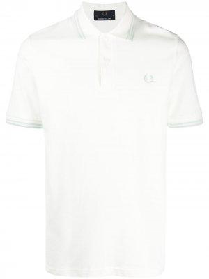 Рубашка поло с вышитым логотипом FRED PERRY. Цвет: белый