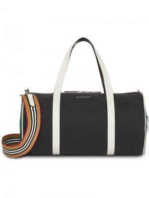 Спортивная сумка округлой формы Burberry. Цвет: черный