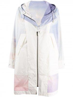 Пальто на молнии с принтом тай-дай Yves Salomon Army. Цвет: белый
