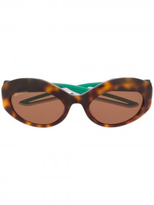 Солнцезащитные очки в круглой оправе черепаховой расцветки Balenciaga Eyewear. Цвет: коричневый