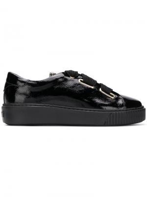 Кроссовки на шнуровке и платформе Tosca Blu. Цвет: черный