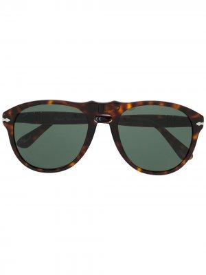 Солнцезащитные очки черепаховой расцветки Persol. Цвет: коричневый