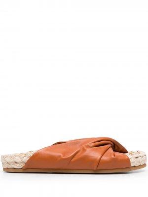 LAutre Chose сандалии с узлом L'Autre. Цвет: коричневый