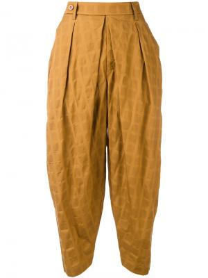 Штаны-шаровары Issey Miyake. Цвет: коричневый