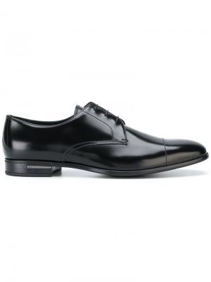 Классические туфли Дерби Prada. Цвет: черный