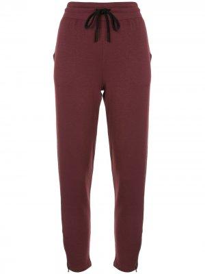 Спортивные брюки By Request Beyond Yoga. Цвет: красный