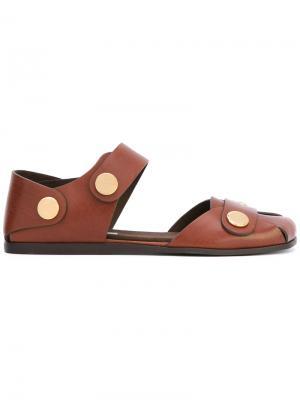 Сандалии с закрытым носком Stella McCartney. Цвет: коричневый