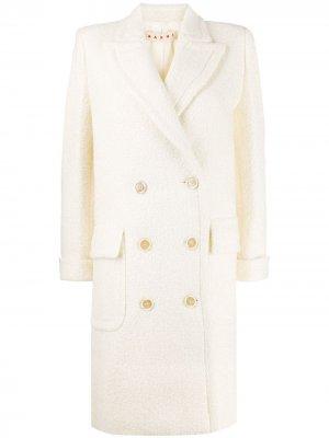 Фактурное двубортное пальто Marni. Цвет: белый