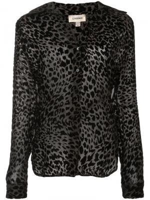 Блузка с леопардовым принтом L'agence. Цвет: серый