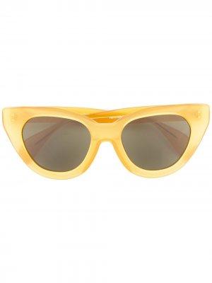 Солнцезащитные очки Holly Audrey в оправе кошачий глаз Oscar de la Renta. Цвет: желтый