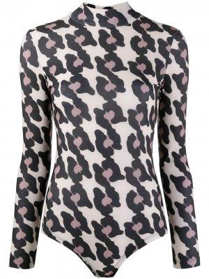 Боди из джерси с высоким воротником и абстрактным принтом Atu Body Couture. Цвет: нейтральные цвета