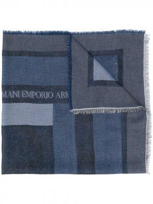 Платок с бахромой и логотипом Emporio Armani. Цвет: синий