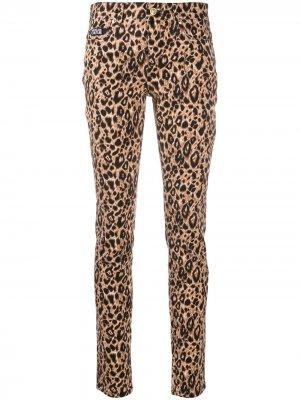 Брюки с леопардовым принтом Versace Jeans Couture. Цвет: коричневый