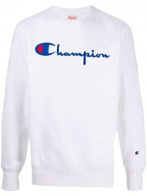 Толстовка с вышитым логотипом Champion. Цвет: белый