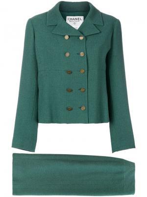 Двубортный костюм 1998-ого года с юбкой Chanel Vintage. Цвет: зеленый