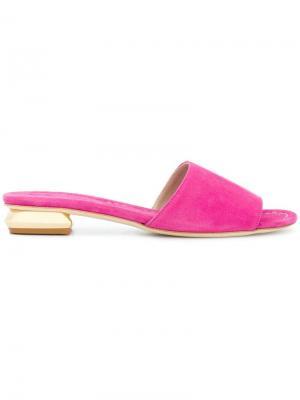 Босоножки с открытым носком на контрастном каблуке Anna F.. Цвет: розовый