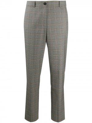 Укороченные брюки в клетку тартан Tommy Hilfiger. Цвет: серый