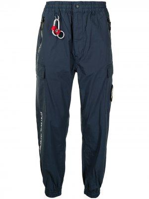 Спортивные брюки с карабином izzue. Цвет: синий