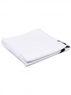 Пляжное полотенце с логотипом Balmain. Цвет: белый