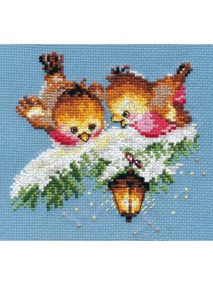 Набор для вышивания На огонек  14х13 см Алиса. Цвет: белый, голубой, зеленый, коричневый