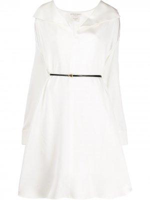 Платье-рубашка с поясом Bottega Veneta. Цвет: белый