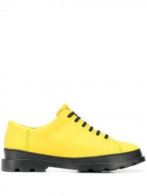 Туфли Brutus на шнуровке Camper. Цвет: желтый