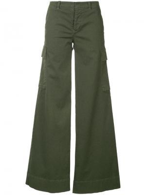Расклешенные брюки-карго Nili Lotan. Цвет: зеленый