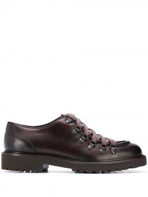 Doucals туфли на шнуровке с миндалевидным носком Doucal's. Цвет: коричневый