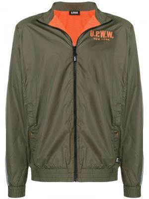 Классическая ветровка U.P.W.W.. Цвет: зеленый