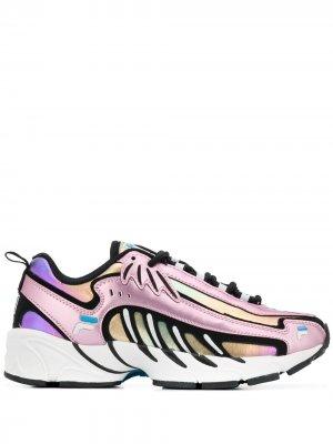 Кроссовки с переливчатым эффектом Fila. Цвет: розовый