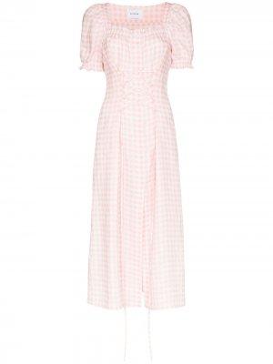 Платье миди в клетку гингем Sleeper. Цвет: розовый