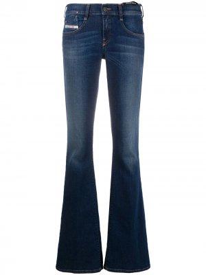 Расклешенные джинсы с заниженной талией Diesel. Цвет: синий