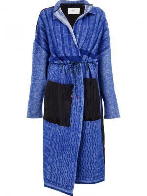 Пальто в стилистике халата Quetsche. Цвет: синий