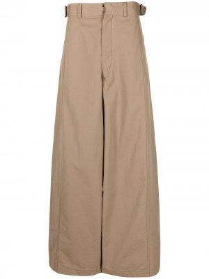 Расклешенные брюки с завышенной талией Lemaire. Цвет: коричневый