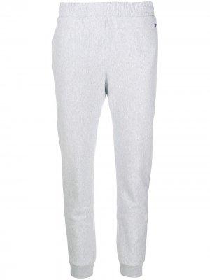 Спортивные брюки с вышитым логотипом Champion. Цвет: серый