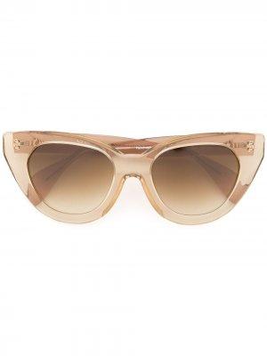 Солнцезащитные очки Holly Audrey в массивной оправе Oscar de la Renta. Цвет: коричневый