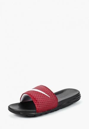 Сланцы Nike. Цвет: бордовый