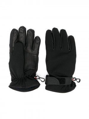 Перчатки с вышитым логотипом Moncler Kids. Цвет: черный