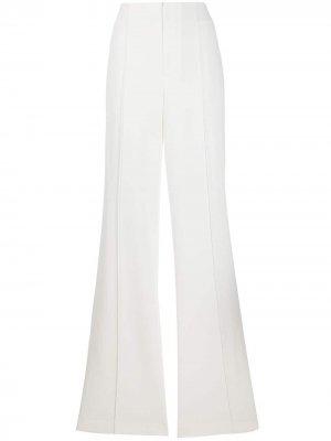 Расклешенные брюки с завышенной талией Alice+Olivia. Цвет: белый
