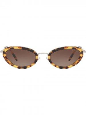 Солнцезащитные очки в оправе кошачий глаз Délice Miu Eyewear. Цвет: коричневый
